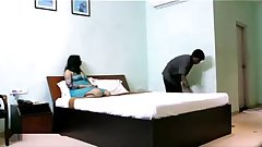 cuckhold Desi wife flashing her boobs in hotel